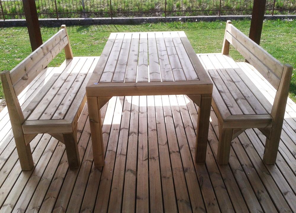 Arredo giardino legno casette legno fioriere - Tavolo legno giardino ...