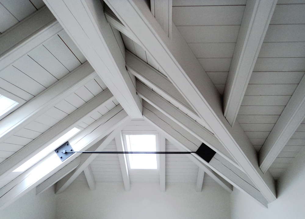 Tetto in legno bianco awesome tetto spazzolato bianco for Mansarda in legno bianco
