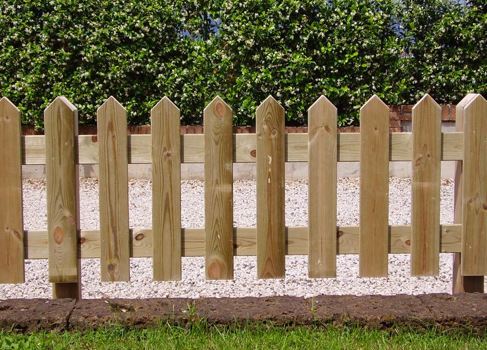 Arredo giardino legno casette legno fioriere - Recinti per giardino ...
