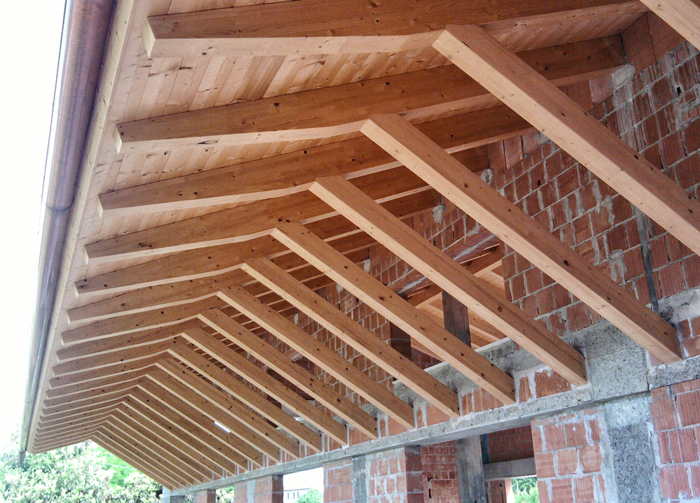 Soffitto In Legno Lamellare : Esempi lavori eseguiti restauro tetti pergolati in legno