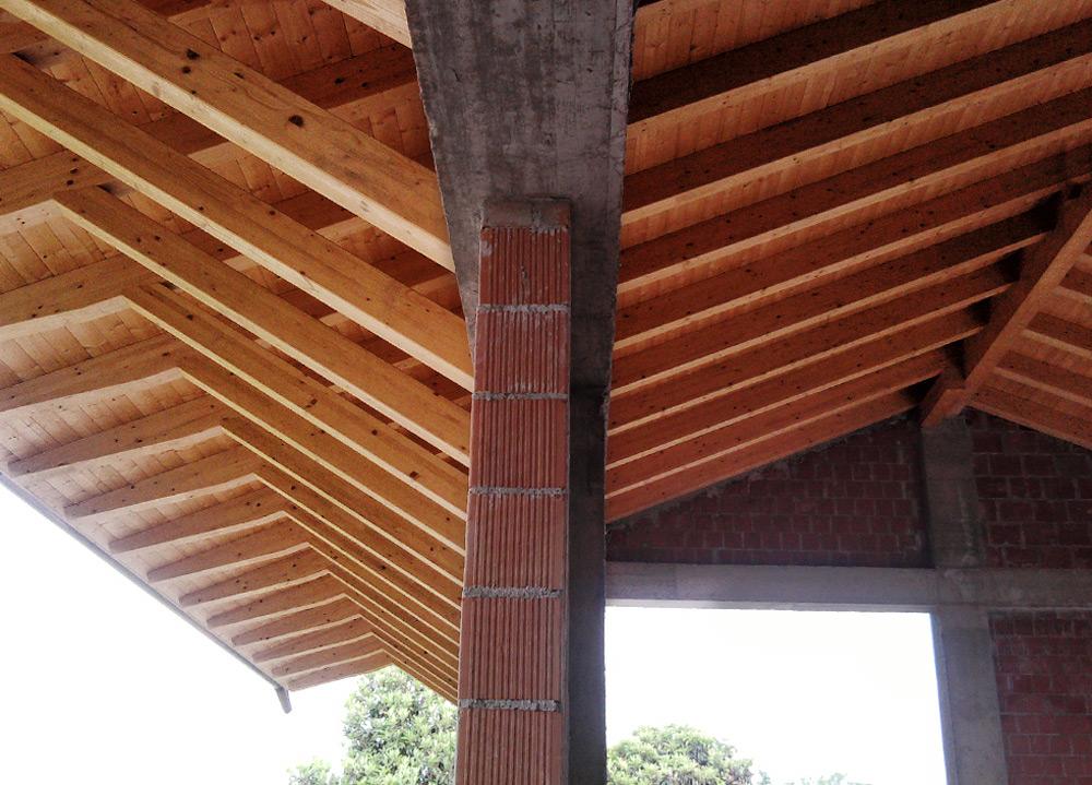 Tetto a falde legno lamellare, Saette di sostegno tetto, Dueville